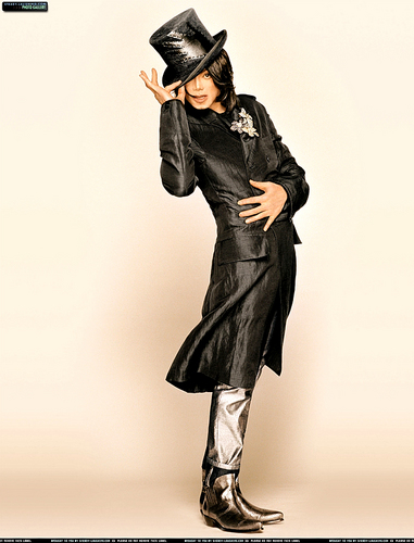 michael-jackson-on-the-december-2007-ebony-magazine(348)-m-6.jpg